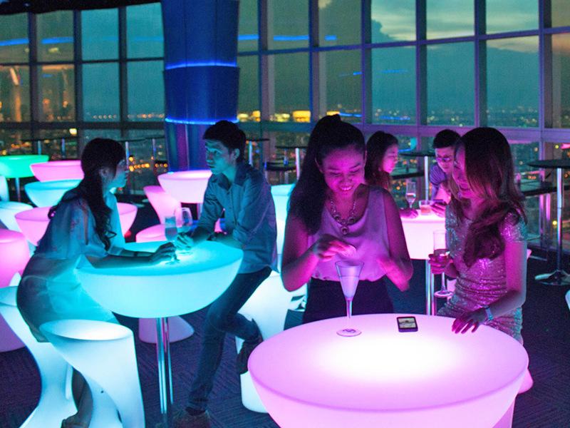 Roof Top Bar tầng 83 tòa nhà Baiyoke Tower