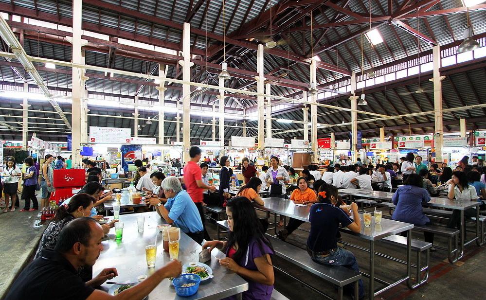 Khu ăn uống tại Nang Loeng