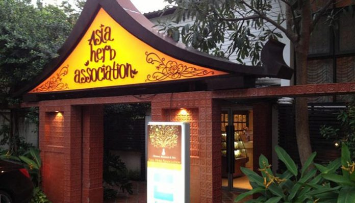 5-dia-chi-massage-thai-bangkok-asia-herb-association