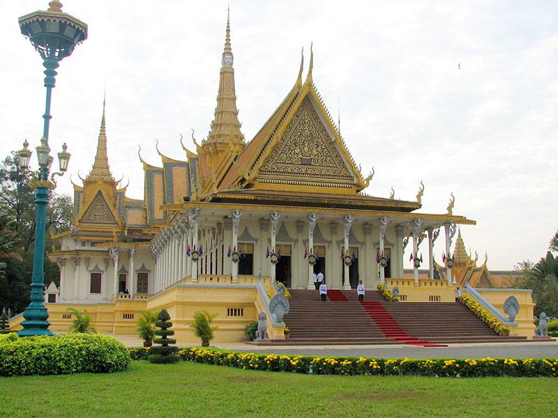 du-lich-tu-tuc-cambodia-gia-re-phnompenh