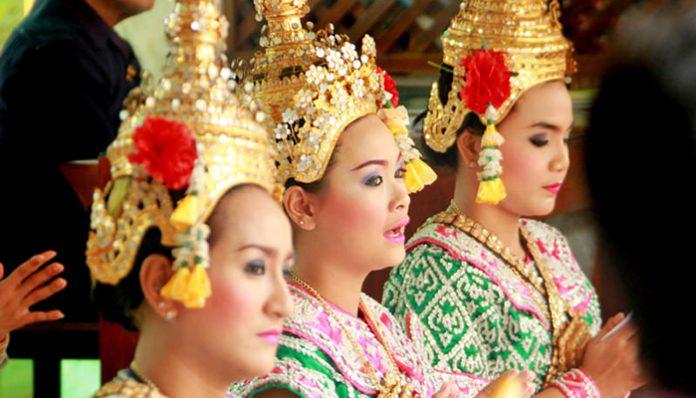 múa ở đền erawan