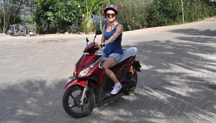 xe máy ở đảo coral pattaya