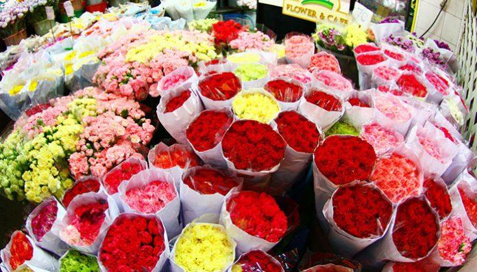 top-10-diem-den-mua-sam-o-bangkok-cho-hoa