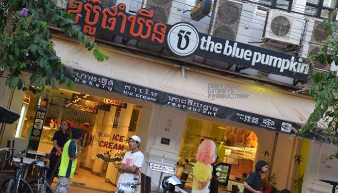 top 10 quan an uong o siem reap hot nhat 2016 blue pumpkin