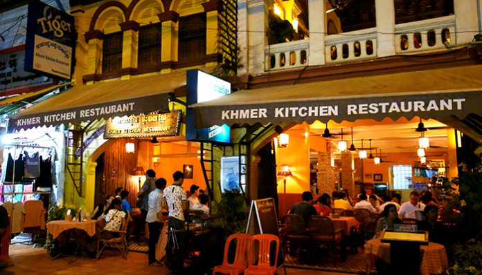 top 10 quan an uong o siem reap hot nhat 2016 khmer kitchen