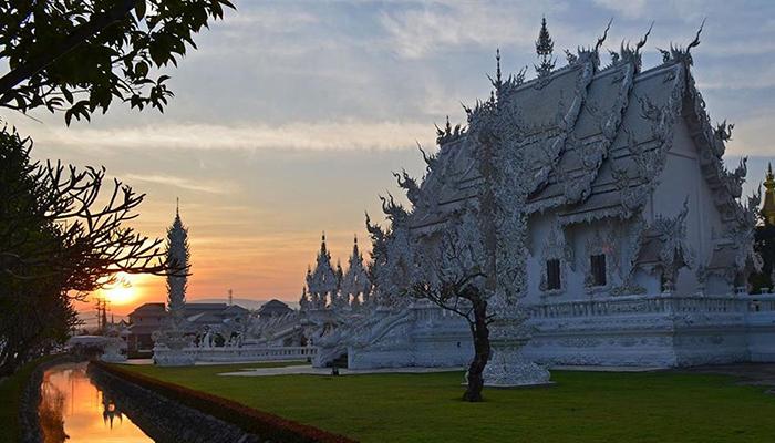 Chùa Trắng Wat Rong Khun
