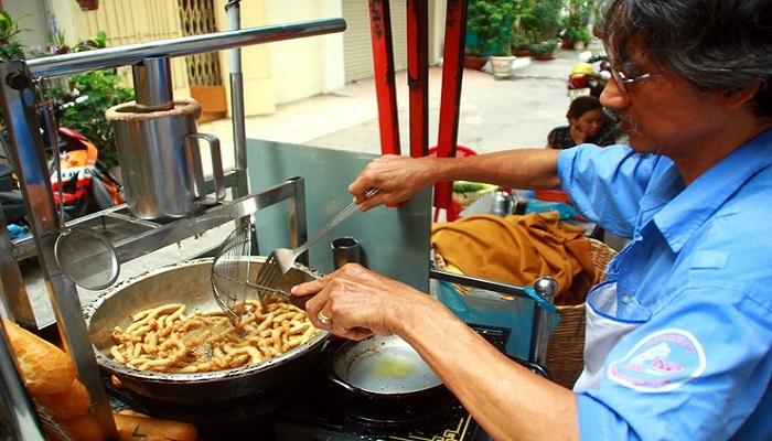 Bánh mì chả cá Sài Gòn