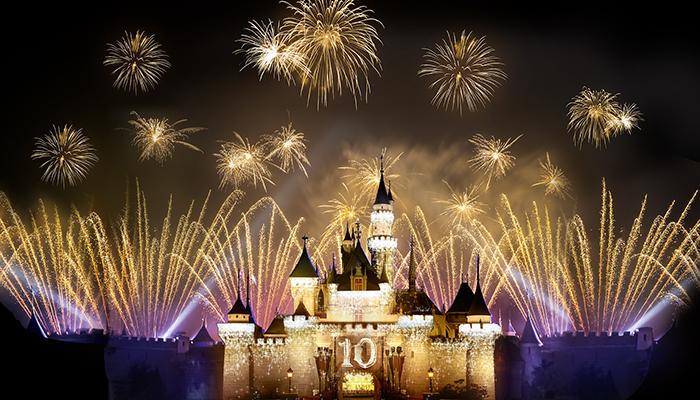 show bắn pháo hoa Disneyland Hong Kong