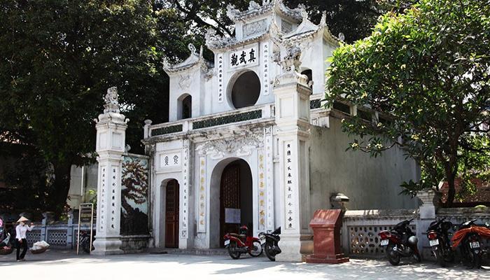 Một trong Thăng Long tứ trấn nổi tiếng của kinh thành xưa