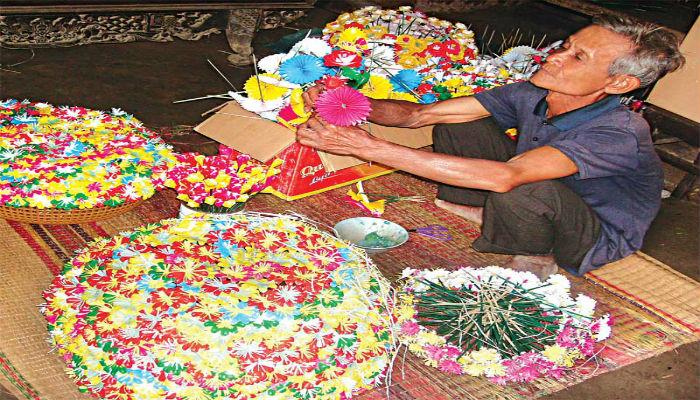 Làng nghề hoa giấy Huế