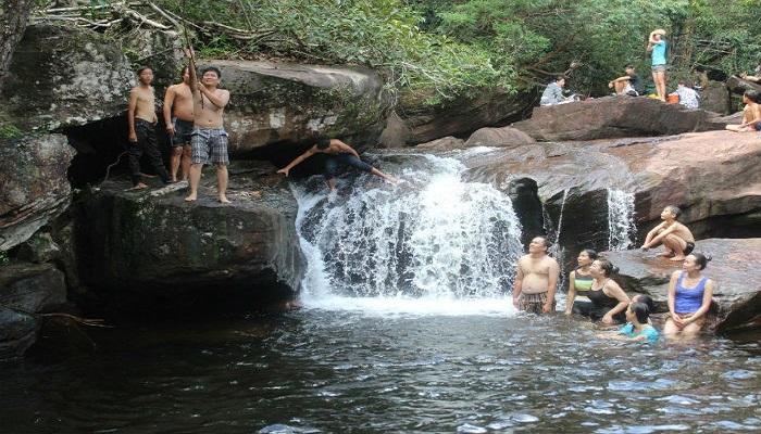 Tắm suối Tranh Phú Quốc