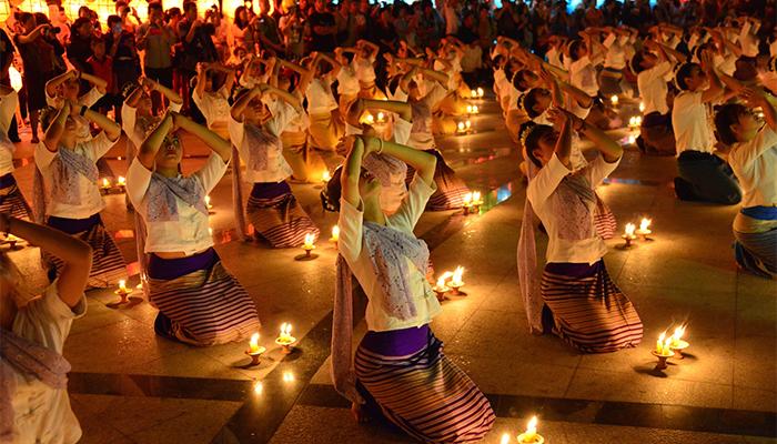 Chương trình lễ hội Loy Krathong - Yee Peng Chiang Mai 2017