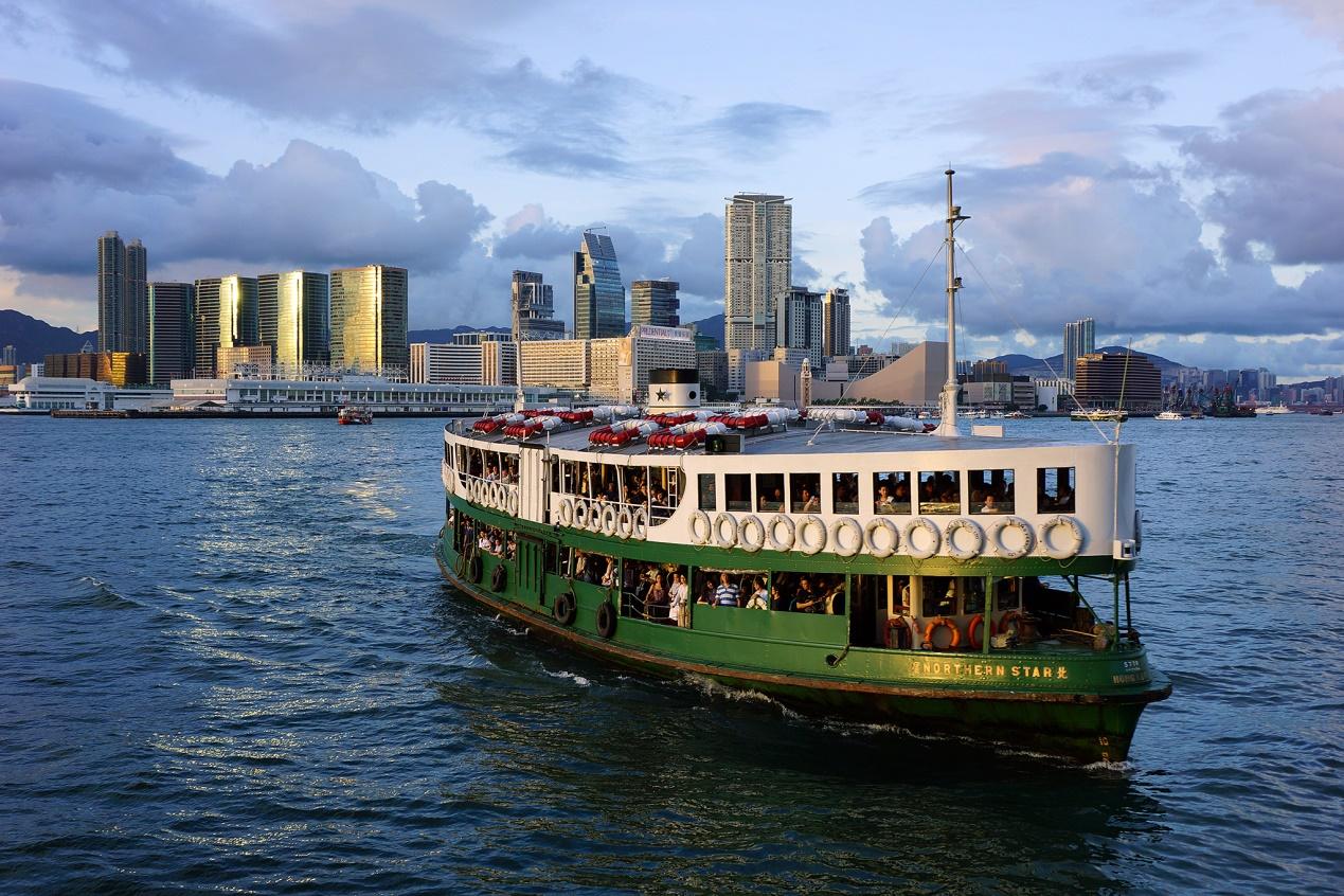 The Star Ferry – Chuyến phà hơn 100 năm tuổi nổi tiếng thế giới