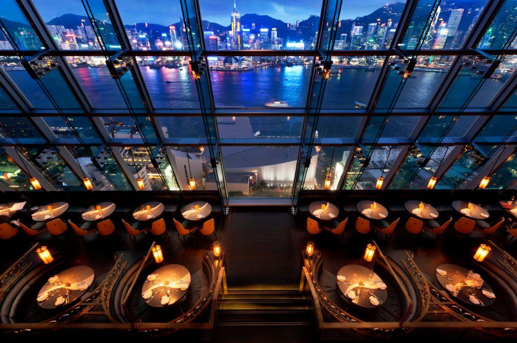 Tầm view choáng ngợp ở Rooftop Bar Ozone
