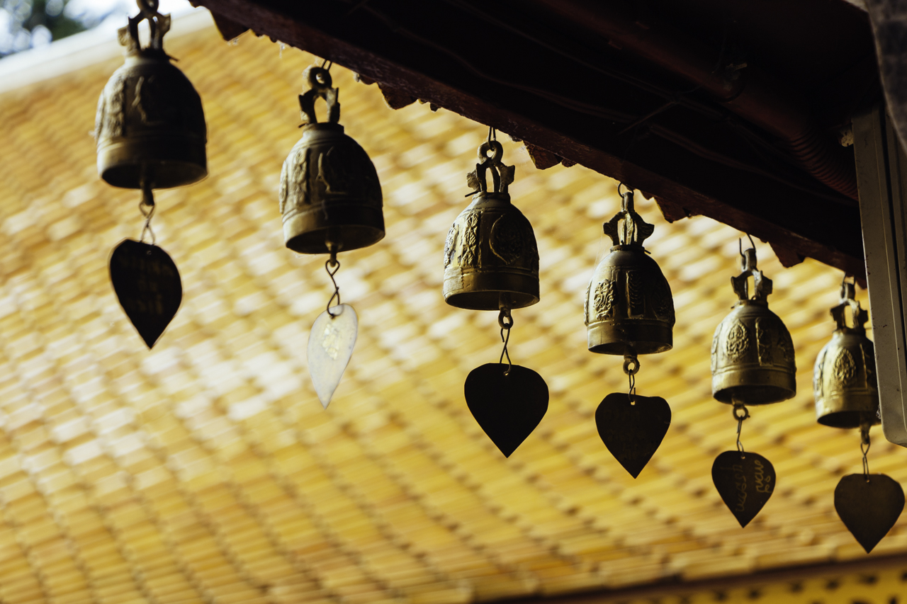 Những chiếc chuông nhỏ treo xung quanh mang đến tính thẩm mỹ cao cho ngôi chùa