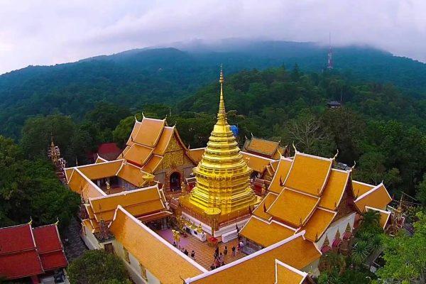 Toàn cảnh ngôi chùa Doi Suthep nhìn từ trên cao