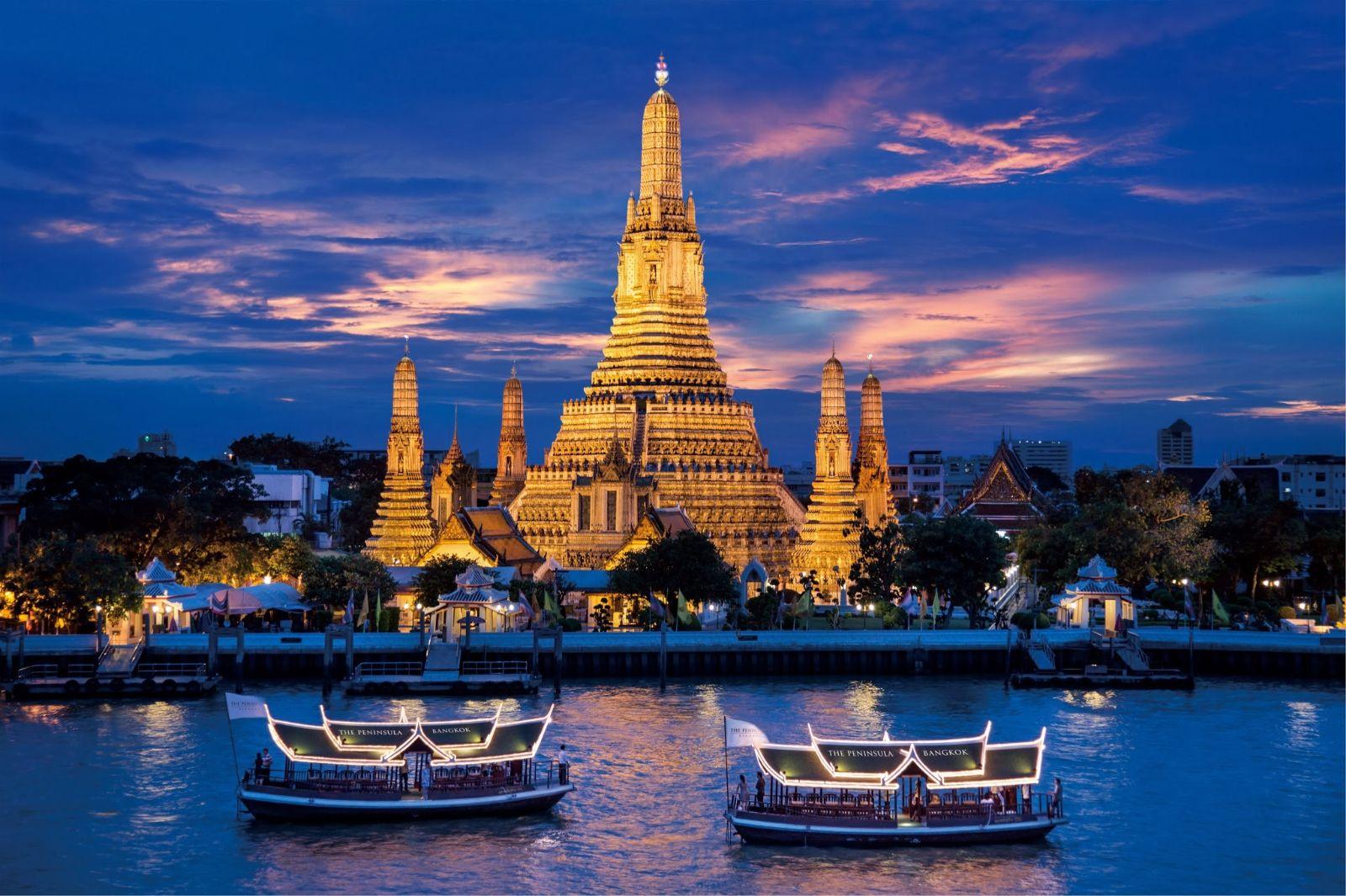 Những nhà hàng ven sông Chao Praya thơ mộng sẽ giúp du khách có một bữa ăn ngon miệng