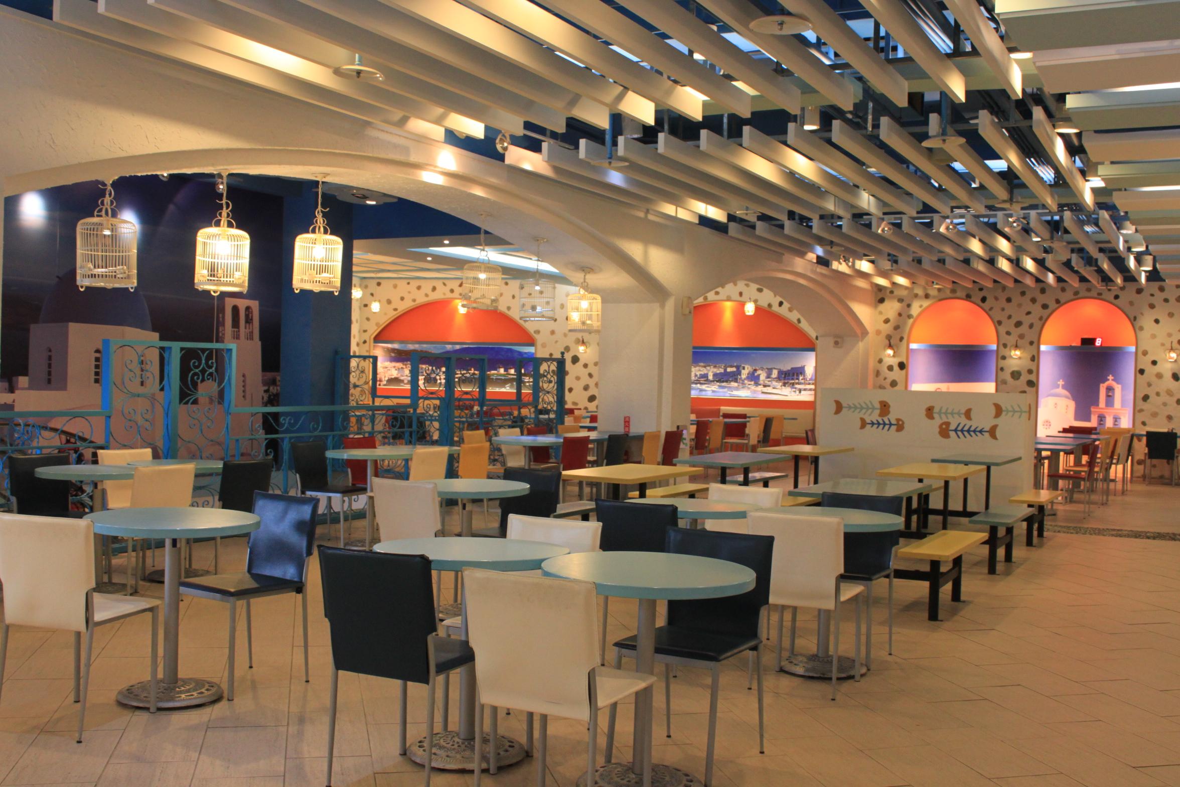 Khu vực ăn uống sạch sẽ, phục vụ chuyên nghiệp sẽ khiến du khách hài lòng