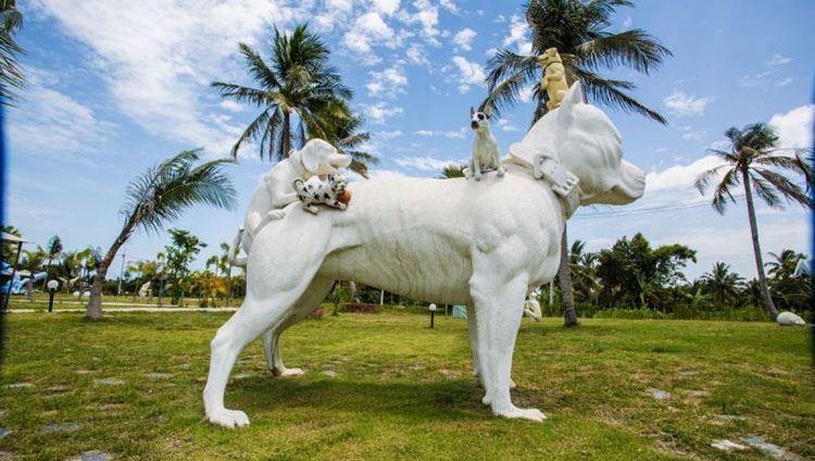 Những bức tượng mang hình ảnh gần gũi, hài hước sẽ khiến du khách thích thú