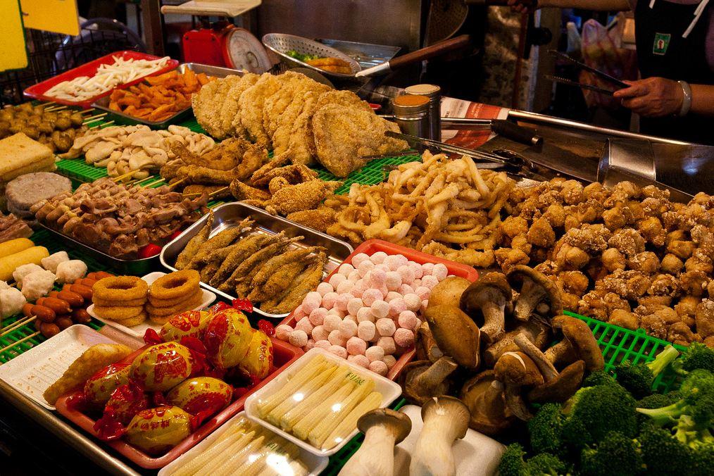 Chợ đêm chính là nơi để bạn mua và ăn cả Đài Bắc