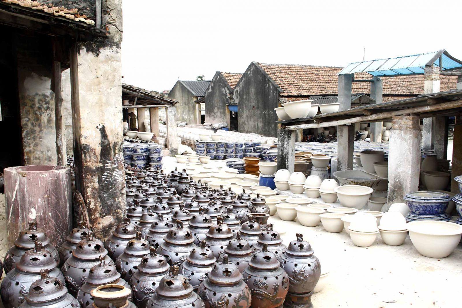 Một góc của xưởng sản xuất Gốm lâu đời