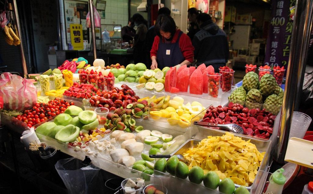 Chợ đêm Lục Hợp là nơi bạn mua và ăn cả Cao Hùng
