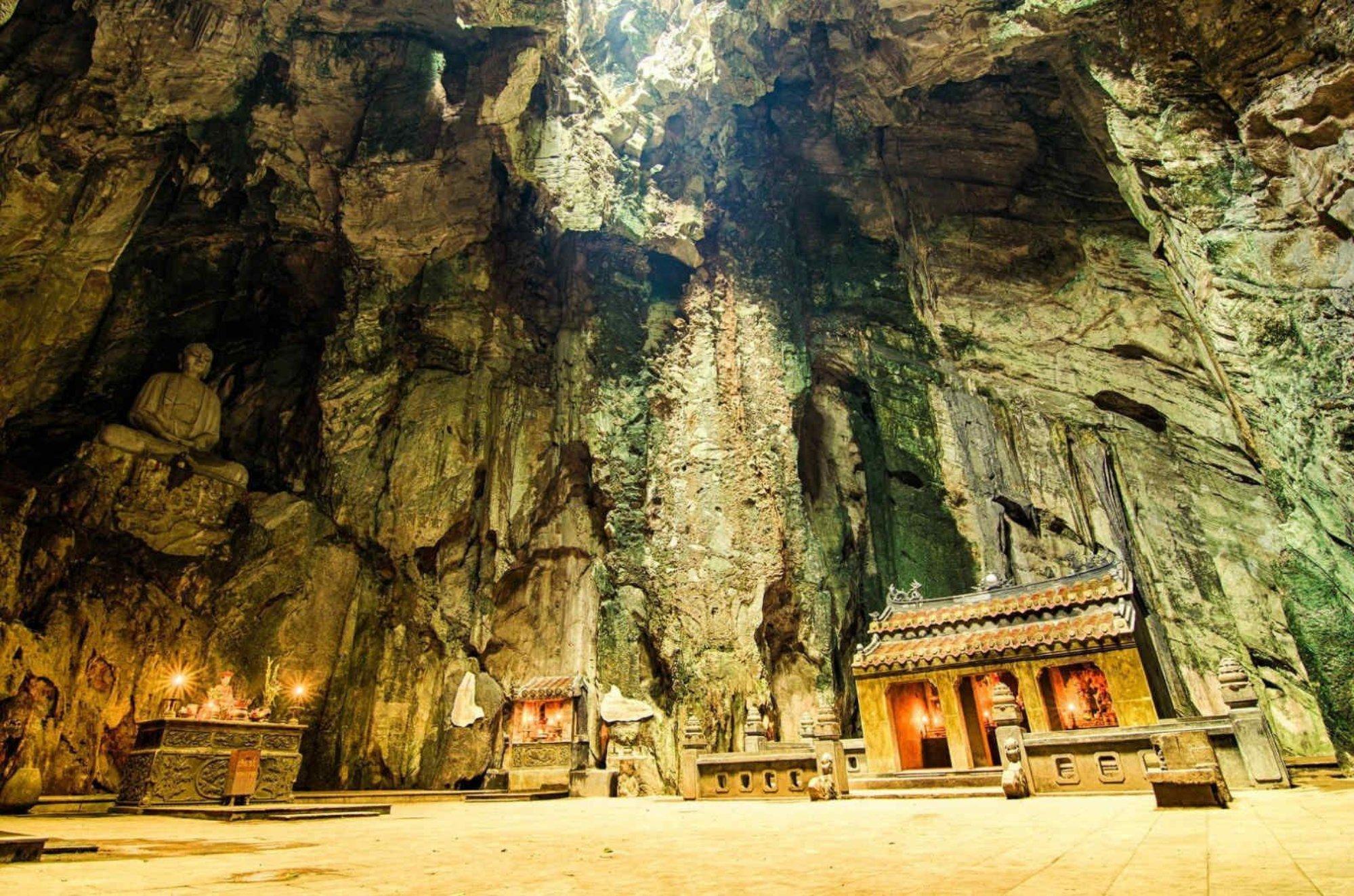 Một trong những hang động đẹp nhất Ngũ Hành Sơn