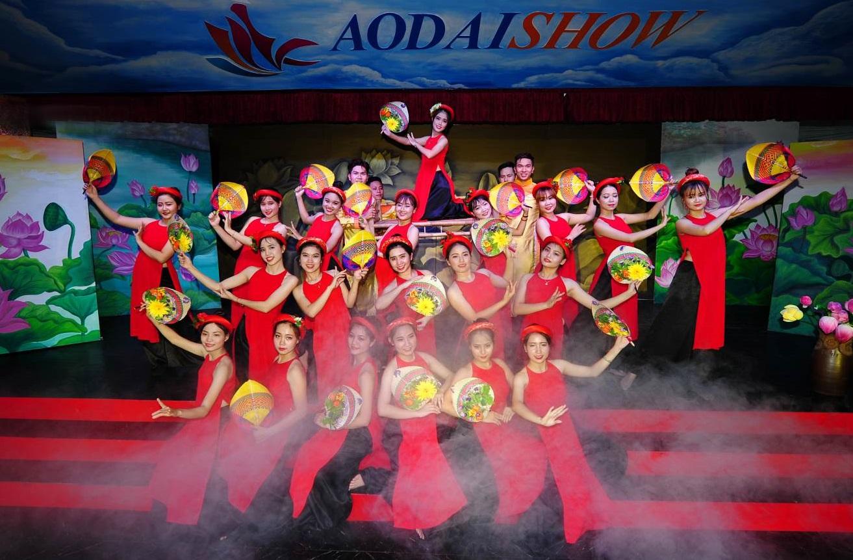 Tiết mục múa dân gian đậm chất truyền thống Việt Nam