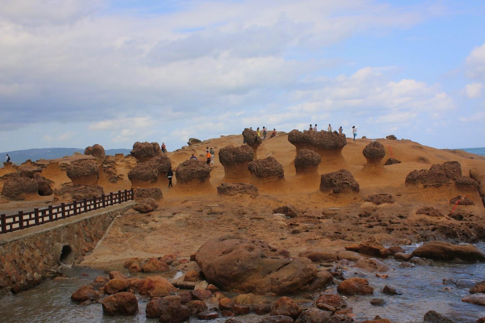 Những khối đá có những hình thù rất độc đáo và có những cái tên rất gần gũi