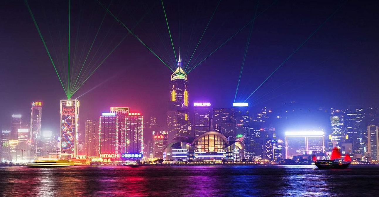 Thành phố Hong Kong đẹp lung linh, tráng lệ khi đêm về
