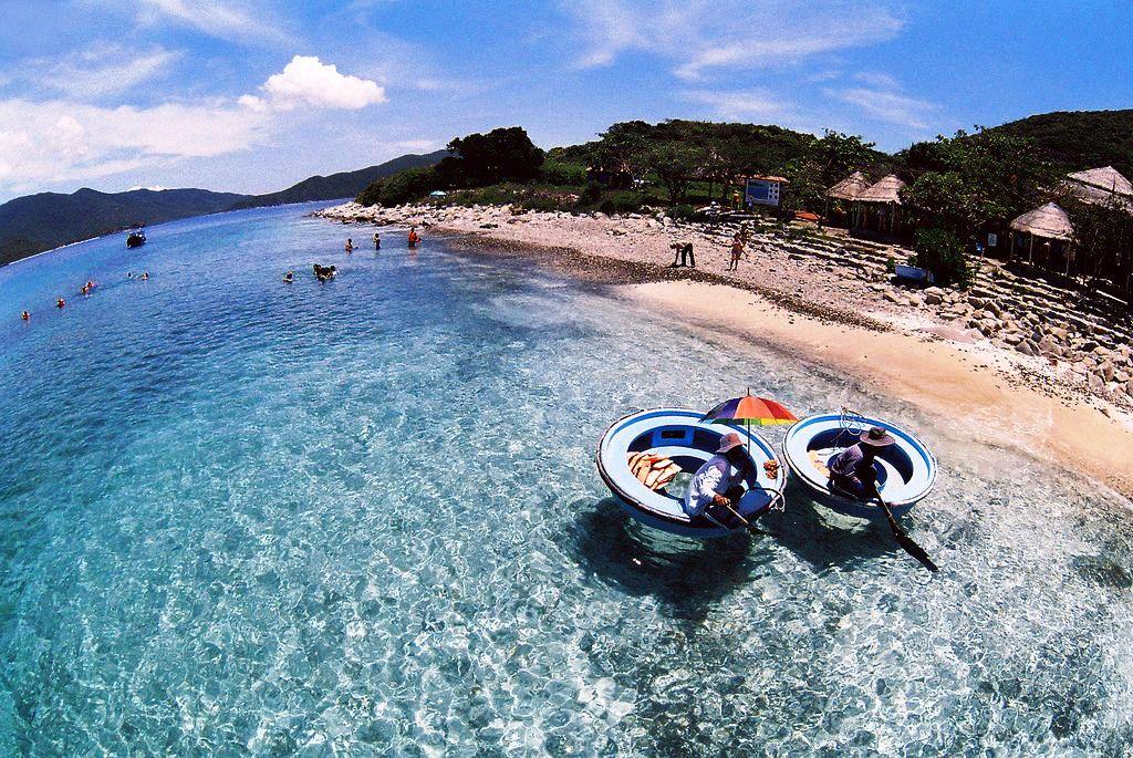 """Đảo Hòn Mun quyến rũ với """"chất"""" nước trong xanh và vẻ đẹp hoang sơ"""
