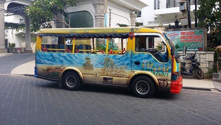 Xe bus dễ dàng di chuyển đến các điểm du lịch