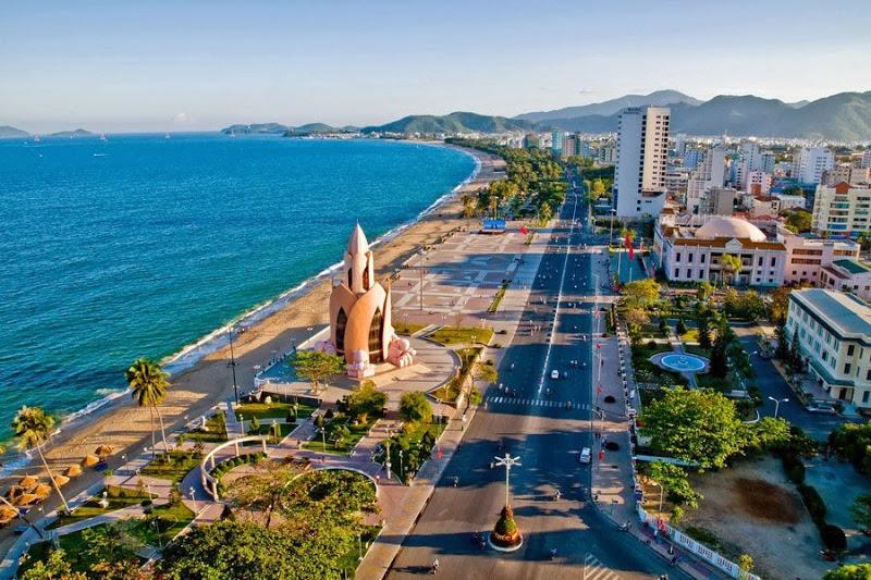 Đường Trần Phú – cung đường biển đẹp nhất Nha Trang