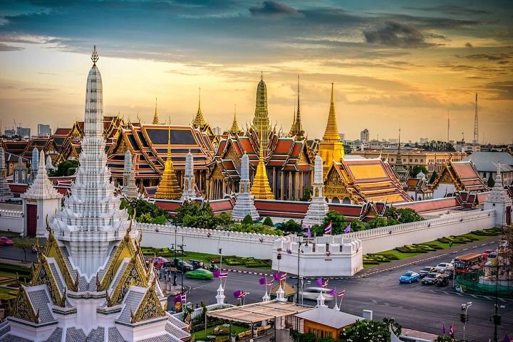 Một buổi chiều hoàng hôn rực rỡ cả Bangkok
