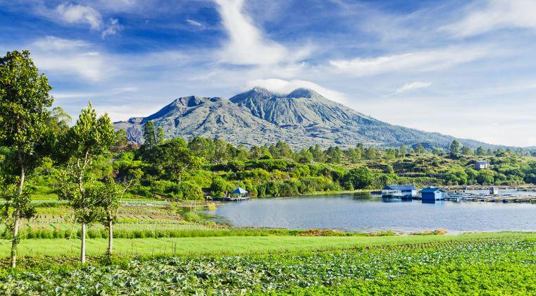 Quang cảnh thiên nhiên tươi xanh vạn người mê ở hồ Batur
