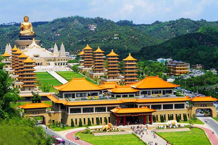 Toàn cảnh quần thể Phật Quang Sơn địa điểm du lịch tâm linh được yêu thích ở Cao Hùng