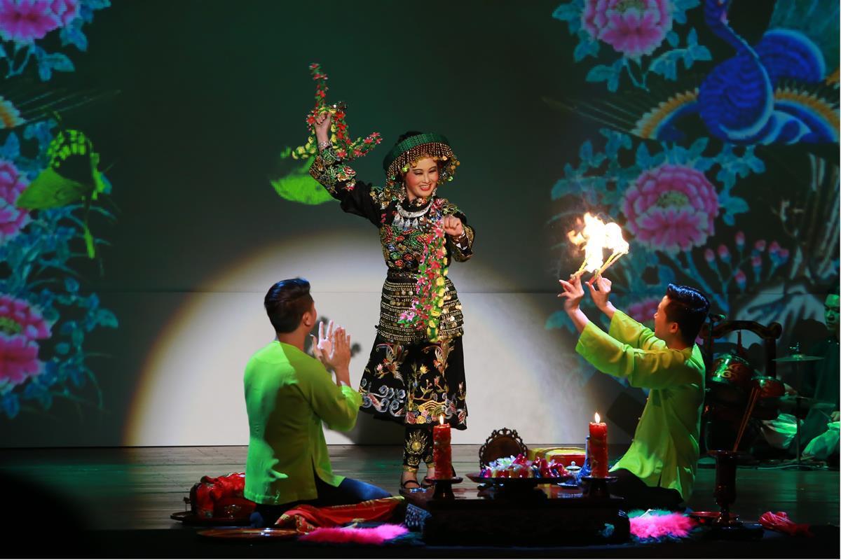 """""""Tứ Phủ"""" là vở diễn được lấy cảm hứng từ nghi lễ Hầu Đồng"""