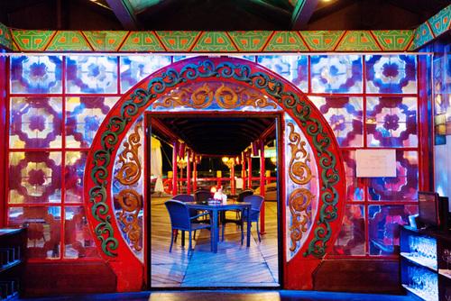 Một phòng ăn sang trọng của nhà hàng vang danh đất Cảng Thơm