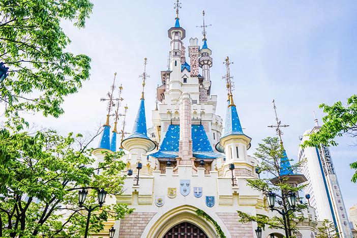 Tòa lâu đài nguy nga - trung tâm thu hút mọi ánh nhìn của Lotte World