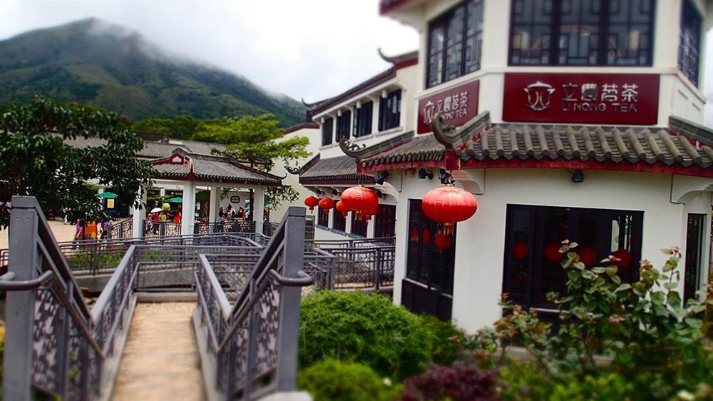 Làng Ngong Ping mang đậm nét văn hóa truyền thống của Hong Kong