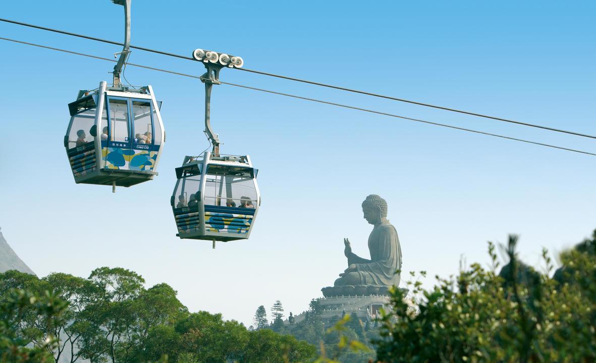 Cabin đáy kính Ngong Ping 360 - điểm đến hấp dẫn mọi du khách khi đến với Hong Kong