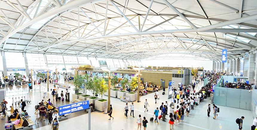 Du khách có thể mua và nhận thẻ dễ dàng ngay khi vừa đáp xuống sân bay quốc tế Incheon