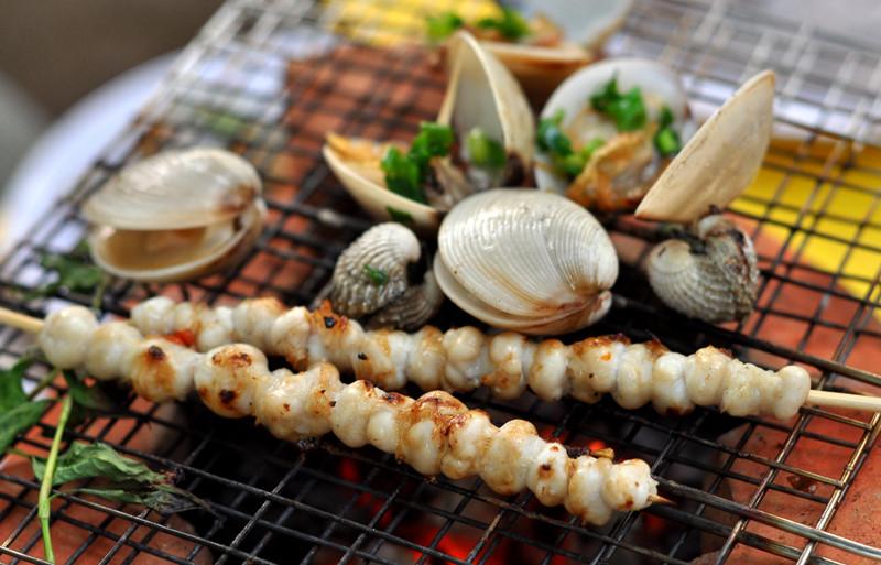 Đến Vịnh Lan Hạ đừng quên ăn hải sản!