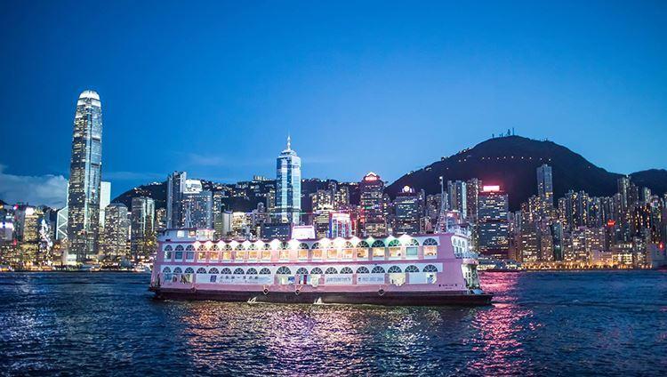 Du thuyền Bauhinia nổi bật, lộng lẫy trên vịnh Hong Kong
