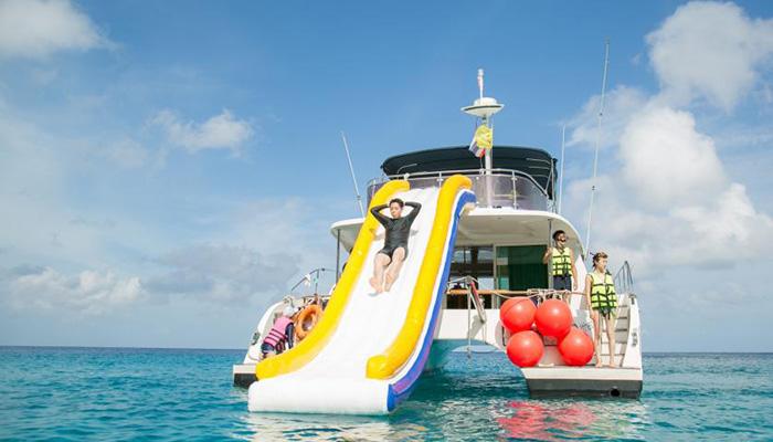 Thỏa sức vui chơi trên biển với du thuyền Racha