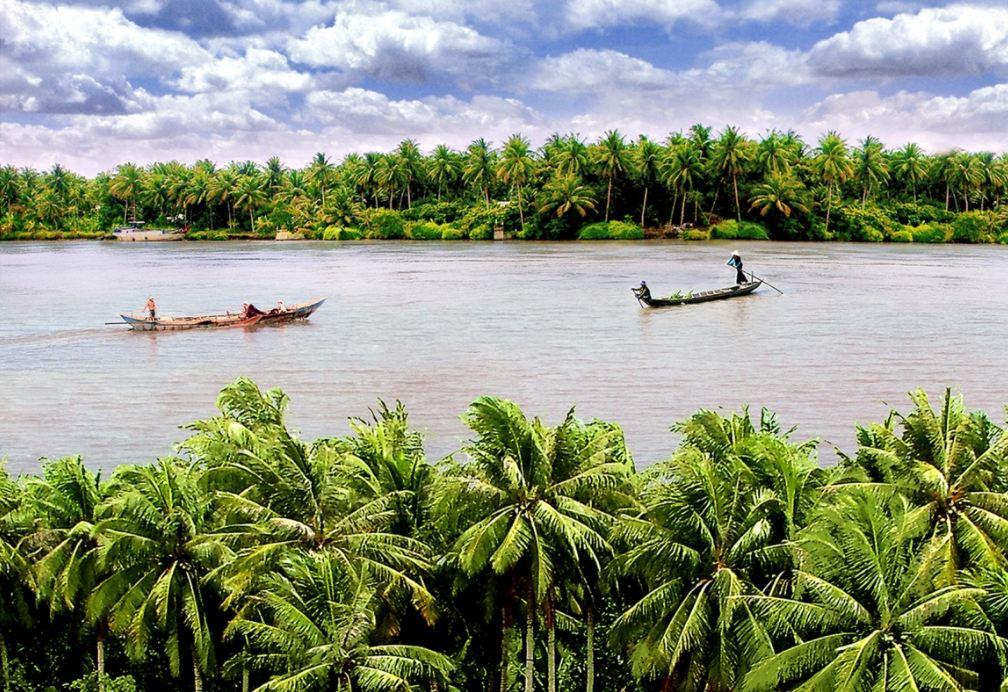 … thì hãy đến miền Tây Nam Bộ sông nước nồng hậu, bình yên