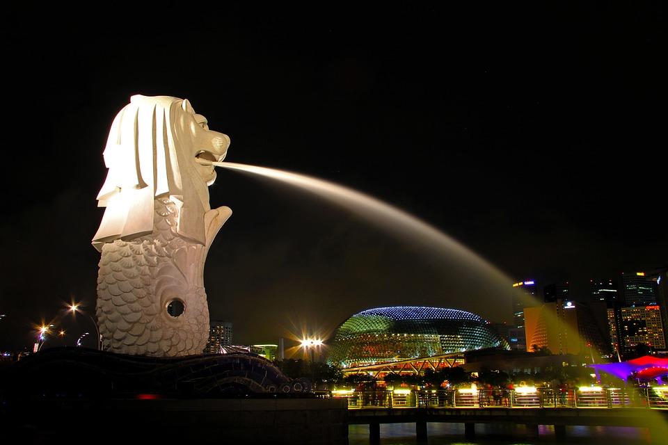 Về đêm, Singapore đẹp rất thanh bình!
