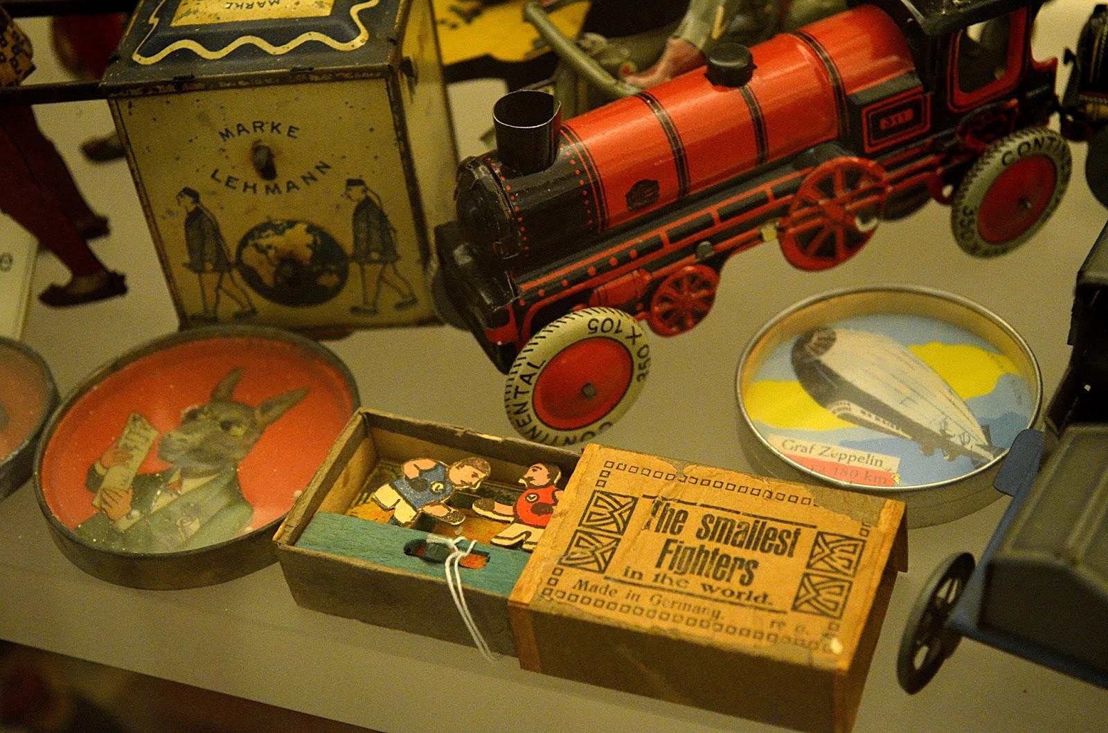 Những món đồ chơi ưa thích của trẻ em trong thế kỷ 19