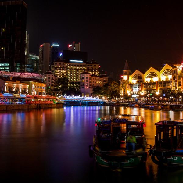 """Nên tham gia Tour Singapore Cruise vào buổi tối để được ngắm nhìn Singapore """"lên đèn"""""""