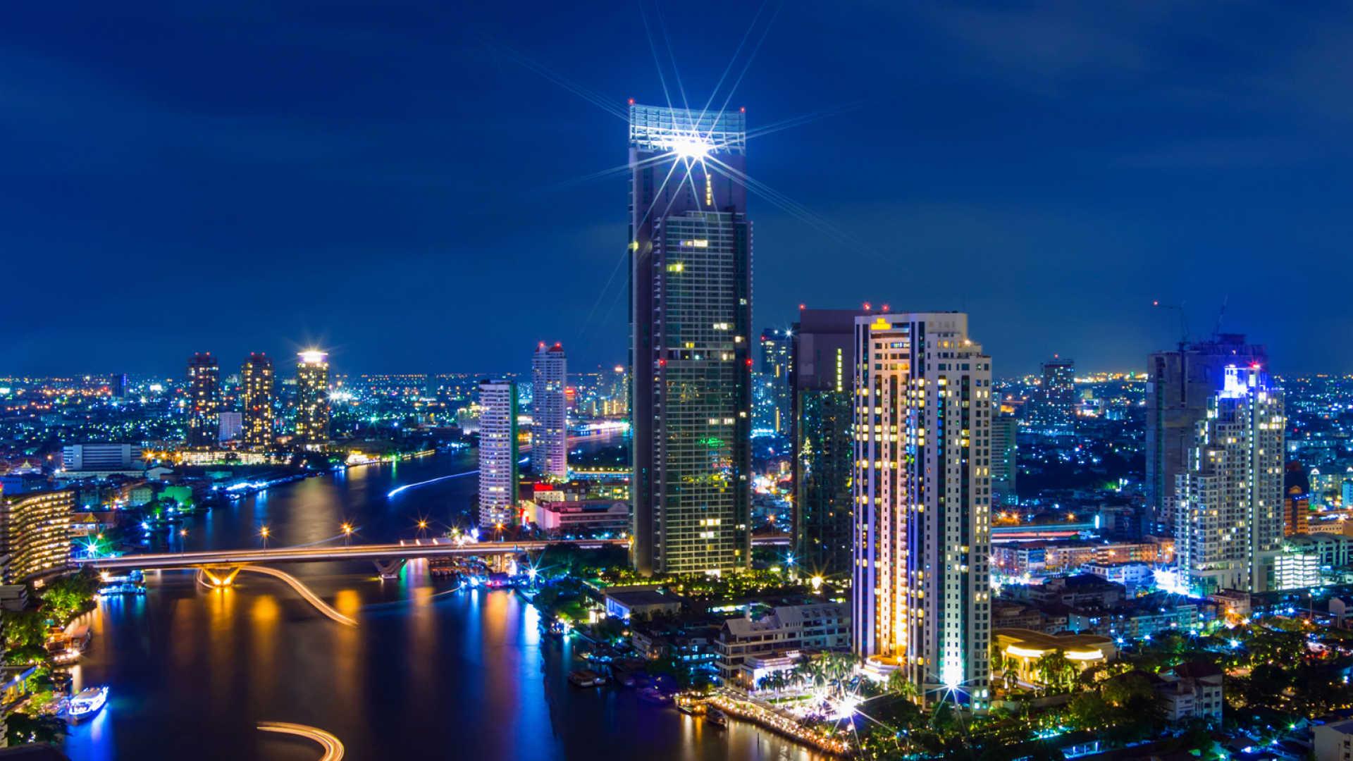 Bangkok tấp nập và hiện đại đang chờ bạn tới